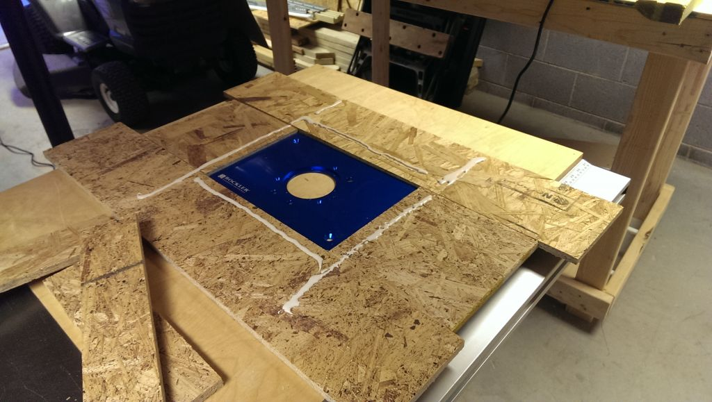 Adding a table saw router table extension did it myself blue is the router plate greentooth Choice Image