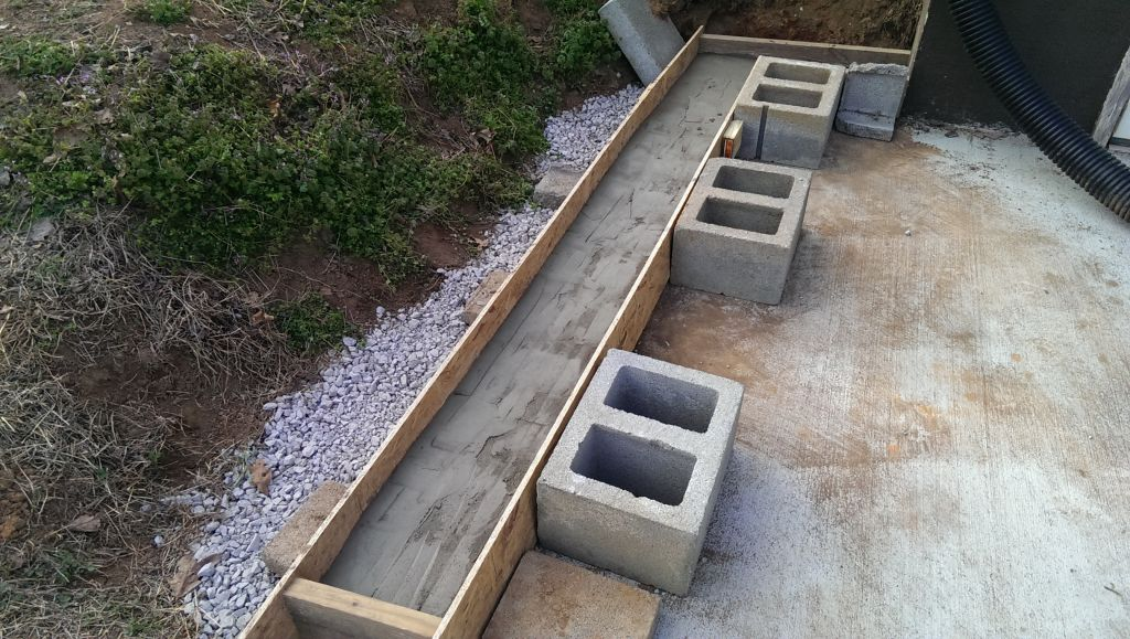Building A Cinderblock Retaining Wall Did It Myself