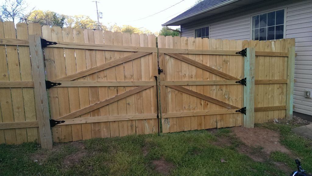 How to build a 6 39 privacy fence did it myself Building a fence