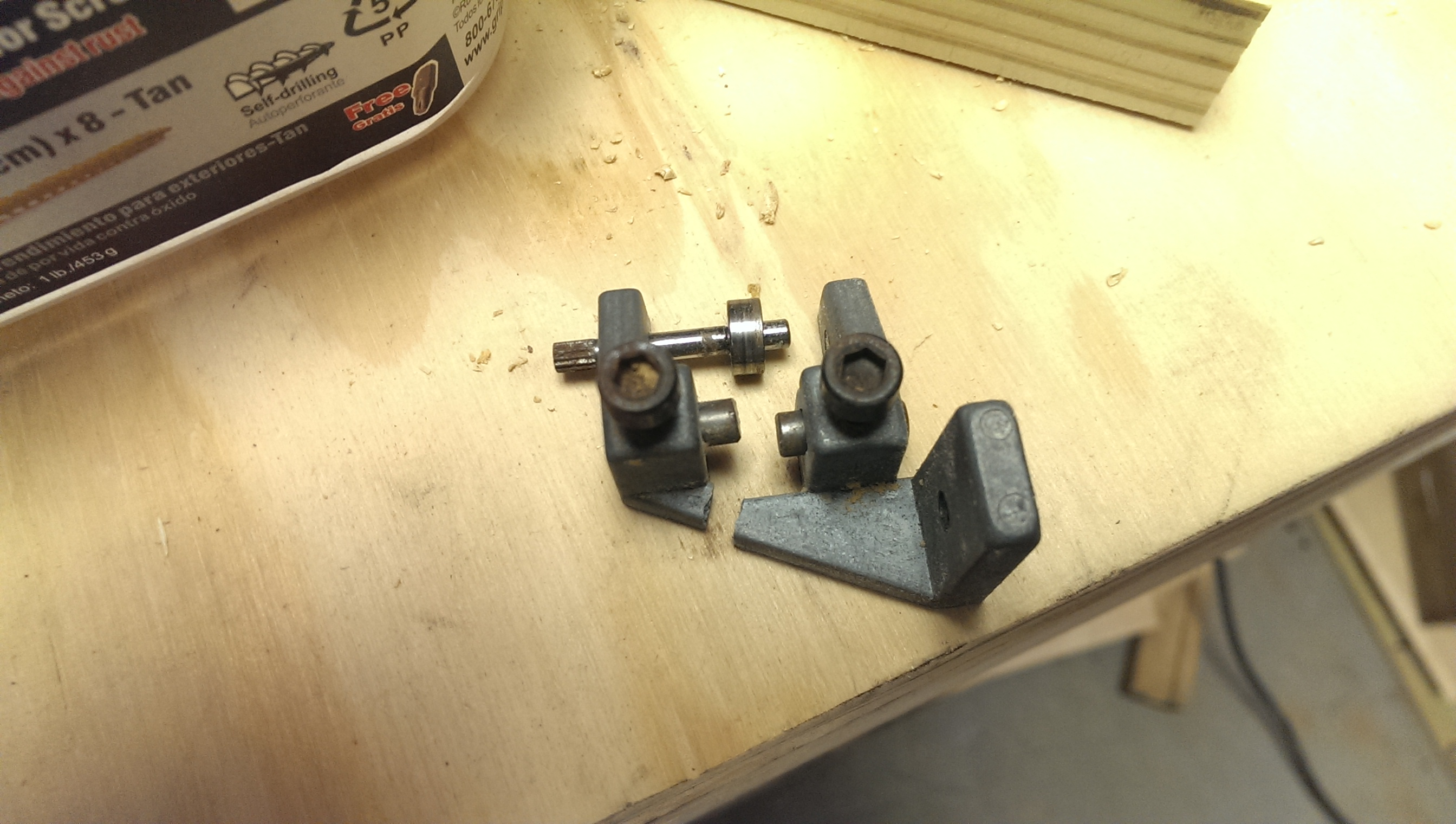 Homemade band saw blade guides insert and tires did it myself well guess that wont work anymore keyboard keysfo Choice Image