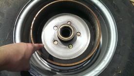 Braked axle