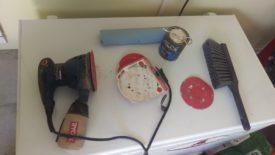 Sander and sanding discs