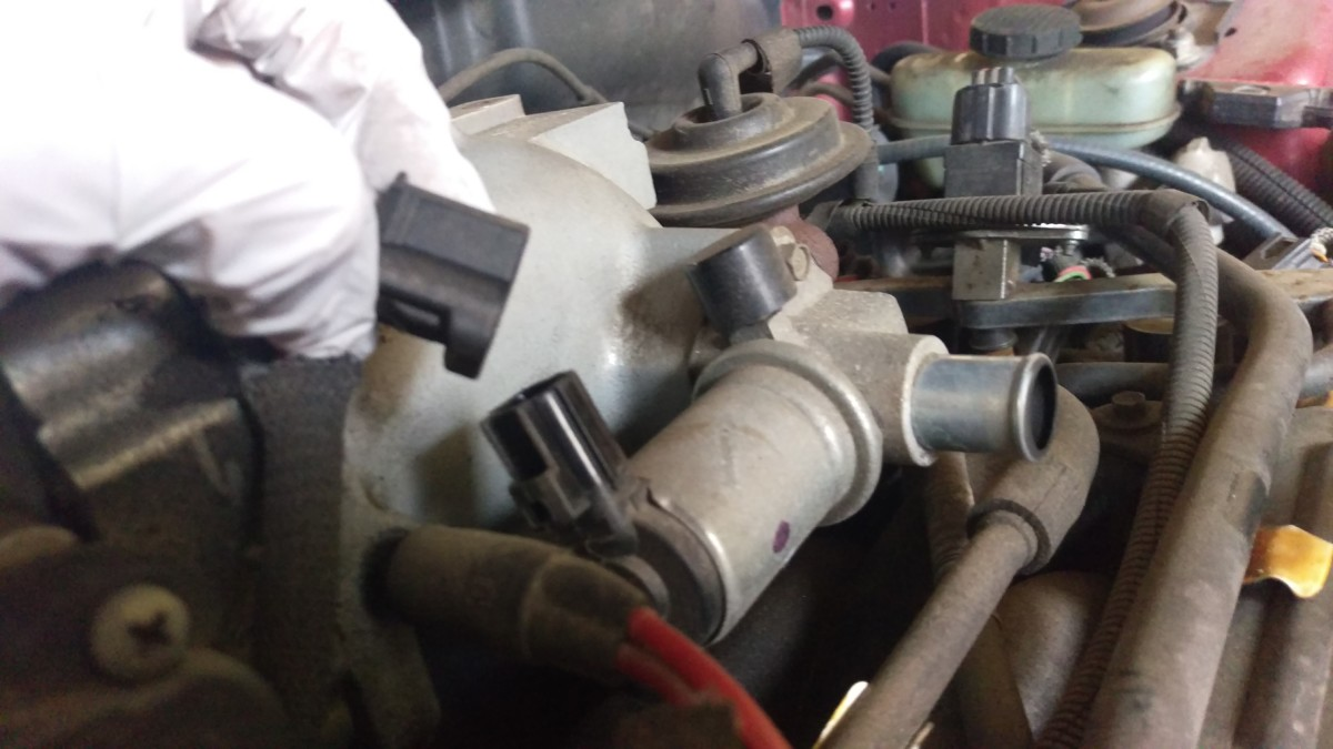 99-04 Mustang Idle Air Control Valve Replacement - Did It Myself
