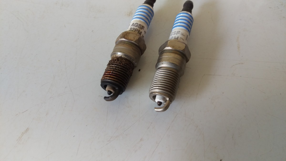Replacing Spark Plugs on a 99-04 Mustang - Did It Myself
